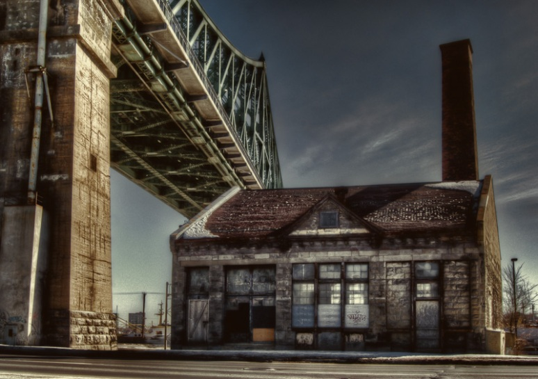The Craig Pumping Station beside the Jacques-Cartier bridge