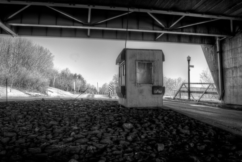 Abandoned toll booth on Chemin Macdonald