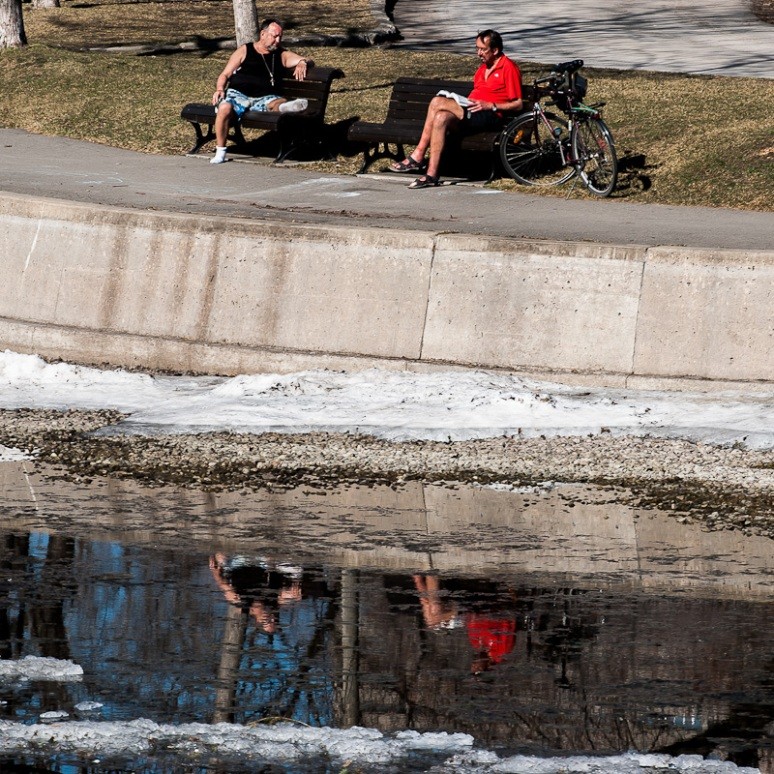 People enjoying the sun at Parc la Fontaine