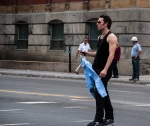 Guy on roller blades makes it across Sherbrooke with clean shirt