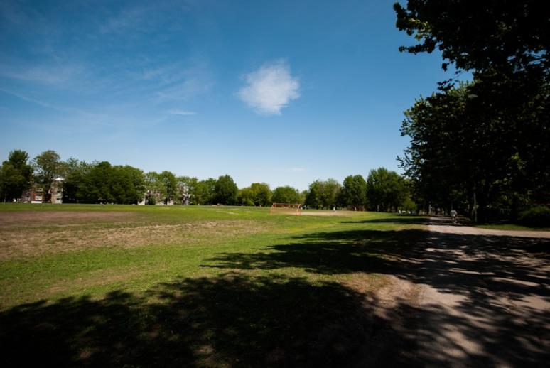 Jeanne Mance Park soccer area