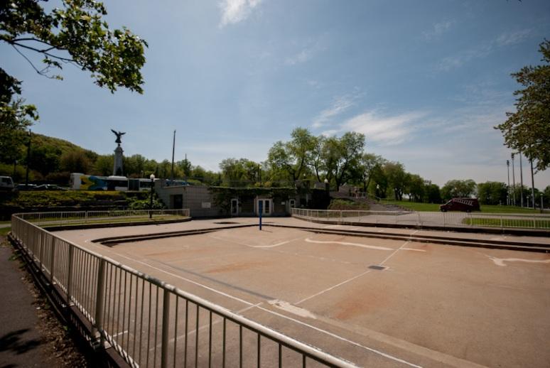 Empty Kids splash pool at Jeanne Mance Park