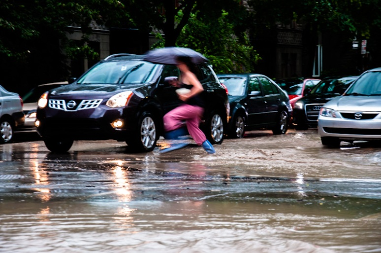Flooded rue Prince Arhtur