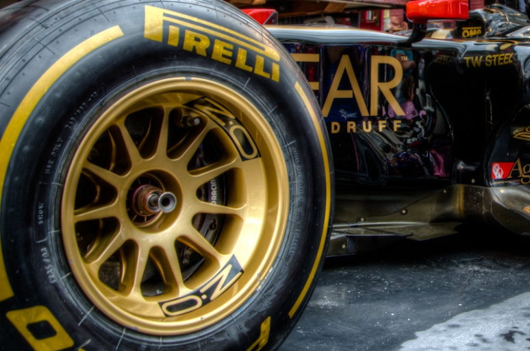 Lotus F1 wheel