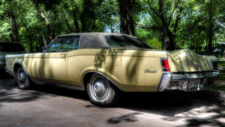 Old Continental at parc Lafontaine