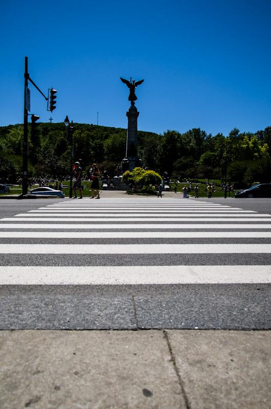 Crossing on avenue du Parc