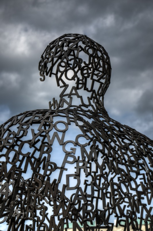 Shadows II sculpture by Jaume Plensa