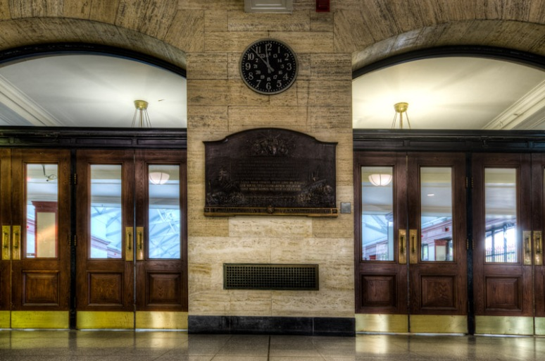 Main Entrance to Windsor Station Concourse