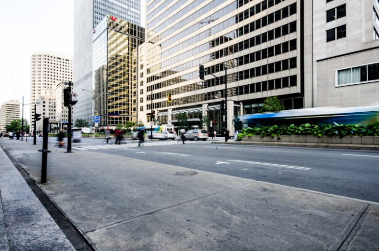 Street crossing on René-Lévesque