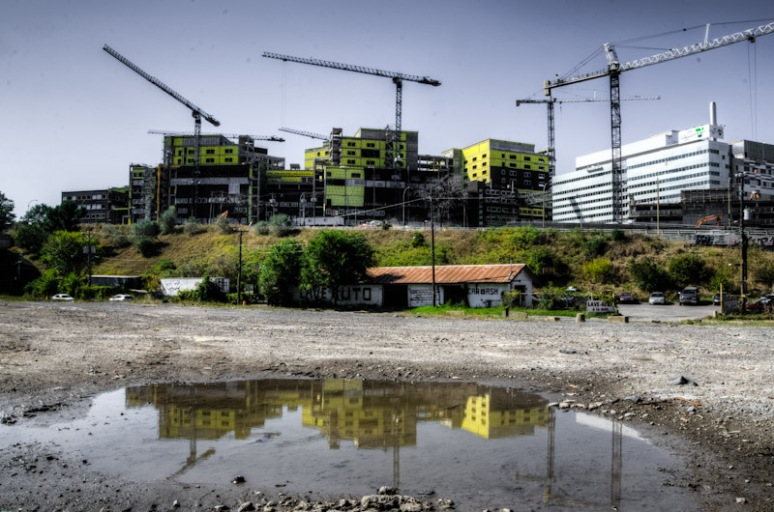 MUHC Super Hospital construction