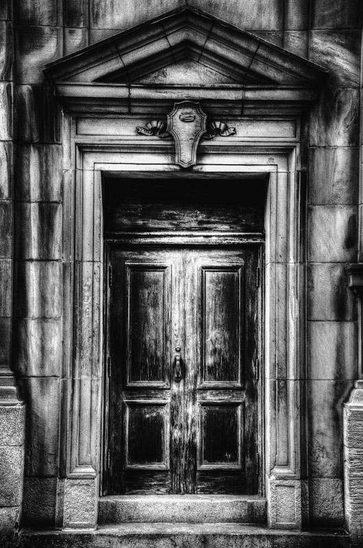 Door on rue Saint François Xavier