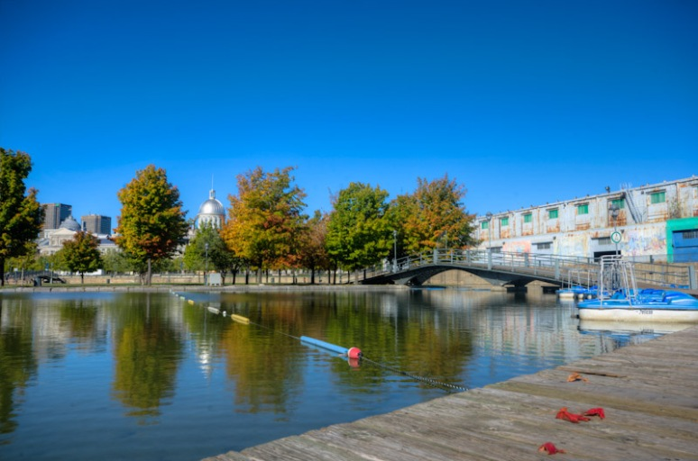 Autumn colors at Basin Bonsecours