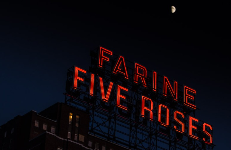 Moon over Farine Five Roses sign