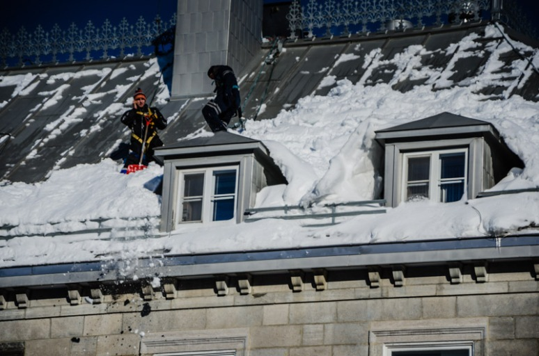 Removing snow from roofs
