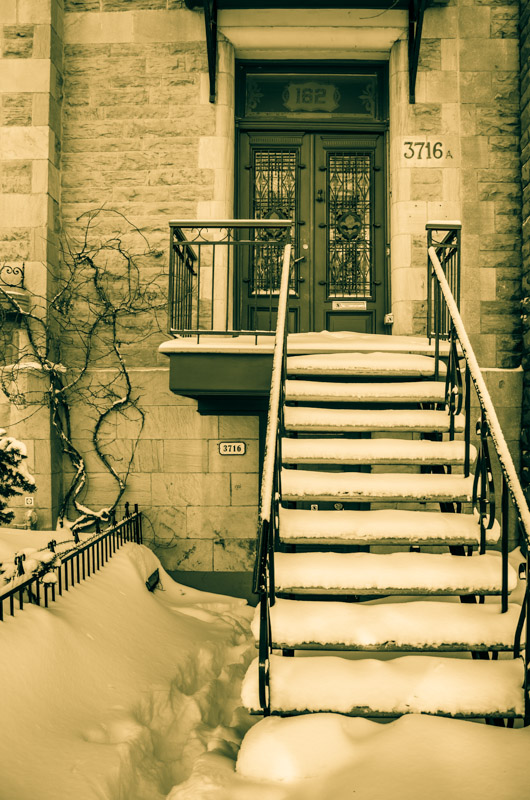 Plateau staircase under snow